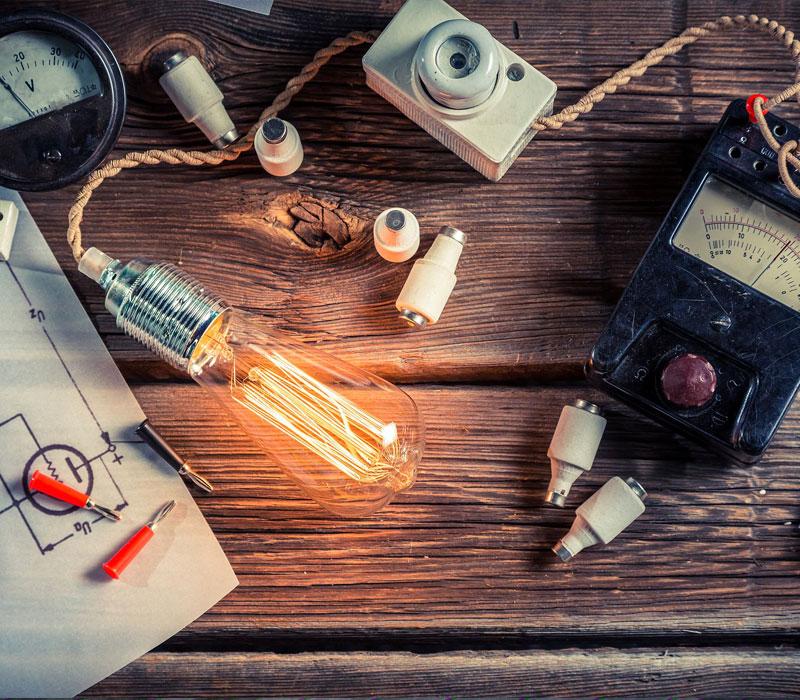 https://vita-home.fr/wp-content/uploads/2019/03/travaux_electricite.jpg